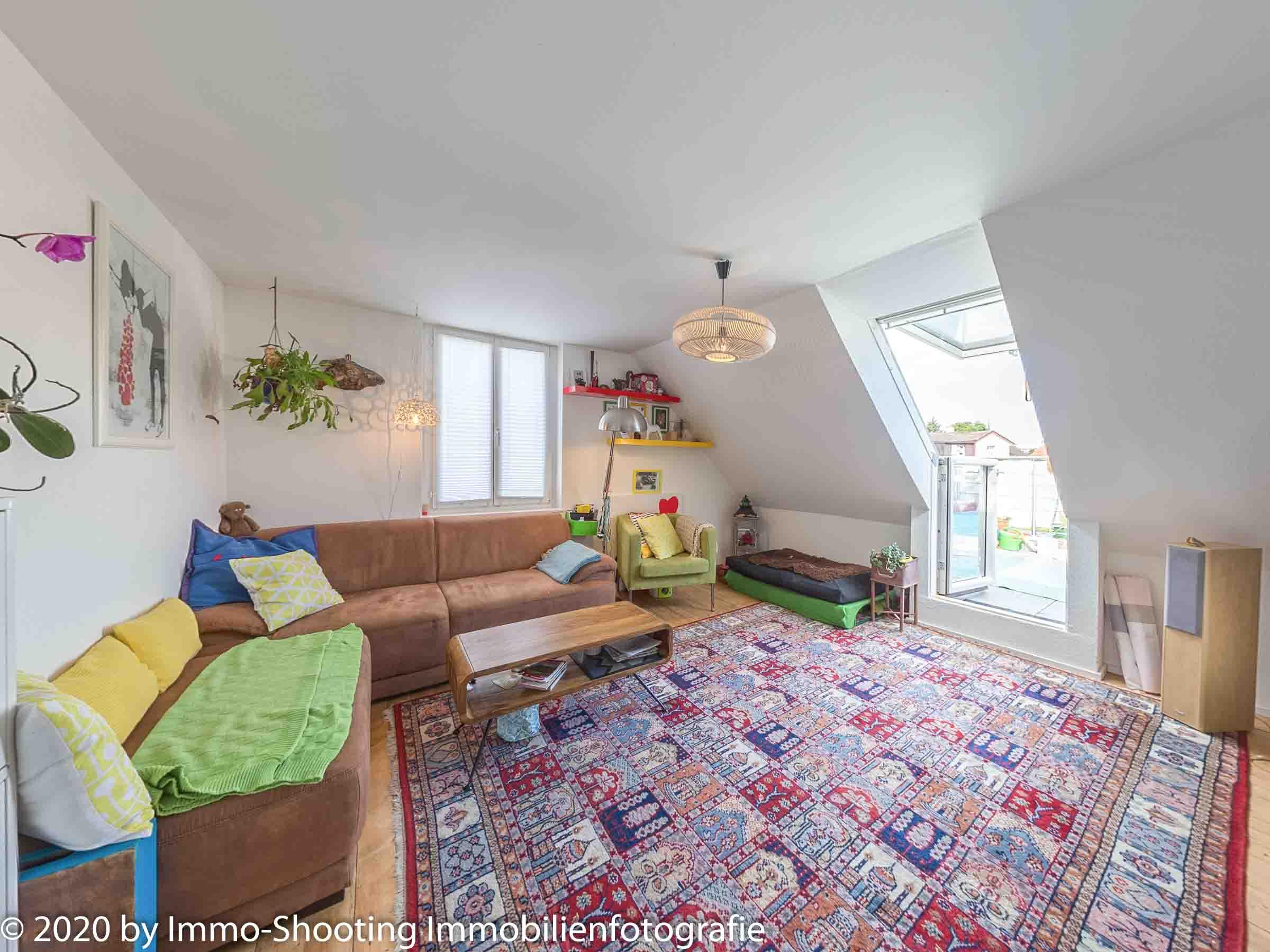 Wohnzimmer Dachwohnung Architekturfotografie Immo-Shooting