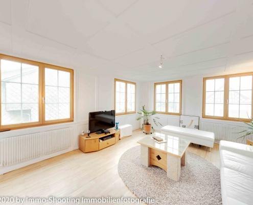 Wohnzimmer-Altbauwohnung-Architekturfotografie-Immoshooting